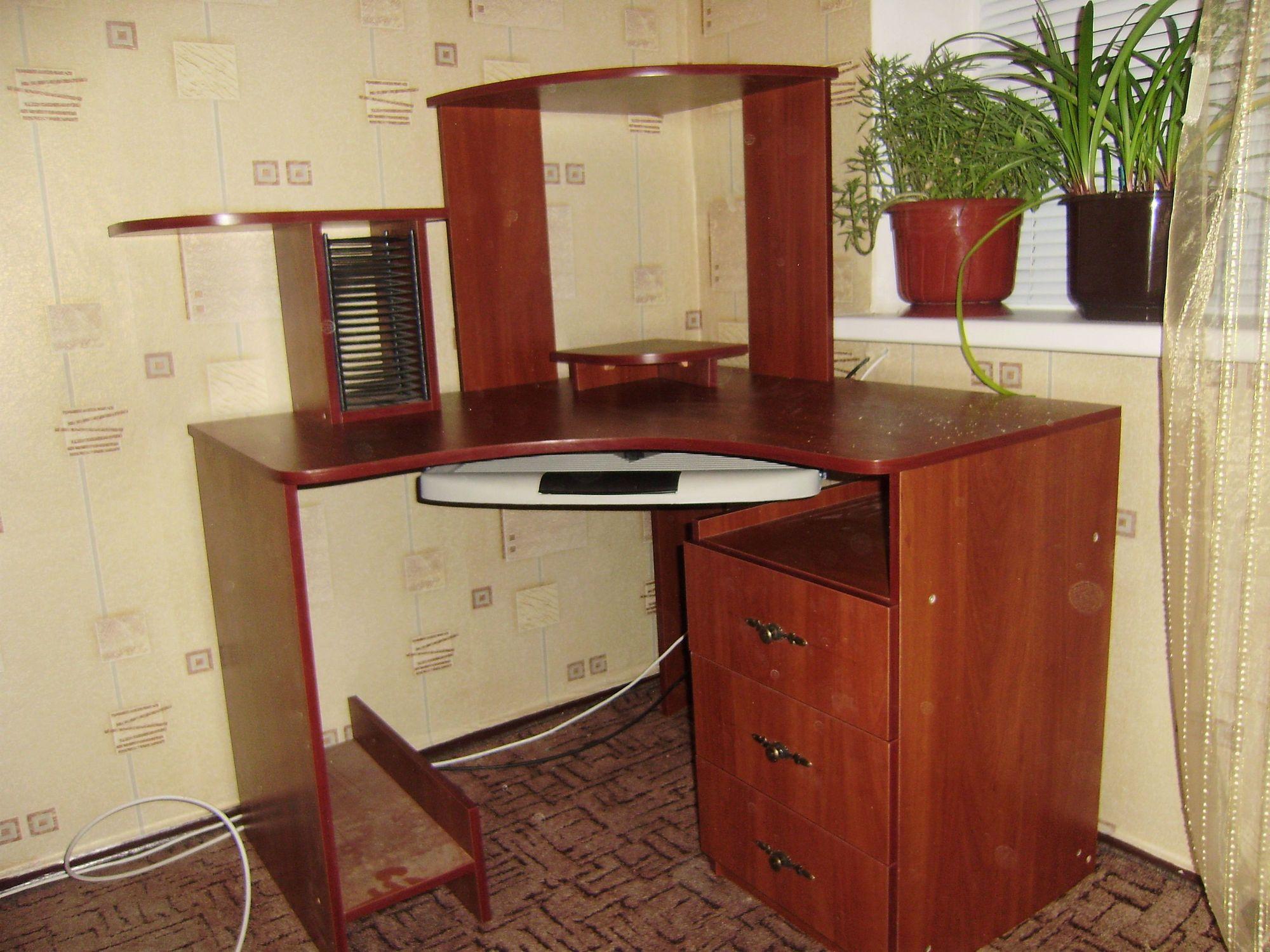 Угловой стол «Бэст»