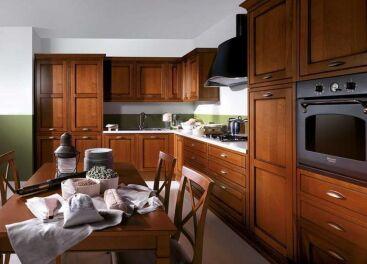 Особенности деревянных фасадов для кухни