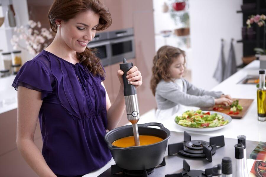 особенности выбора кухни для молодой мамы